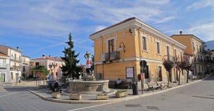 Sikt av den forntida staden - Corfinio, L'Aquila, i regionen av Abruzzo - Italien Royaltyfri Foto