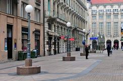 Sikt av den fot- gatan i stadsmitt av Zagreb Arkivfoton