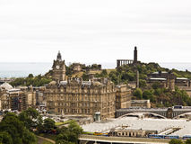Sikt av den gamla delen av Edinburg i Skottland Royaltyfri Foto