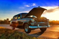 Sikt av den gamla kubanska bilen i havana, Kuba Arkivfoton