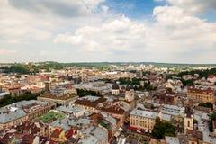 Sikt av den gamla lilla staden Lviv Royaltyfri Bild