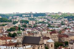 Sikt av den gamla lilla staden Lviv Arkivfoto