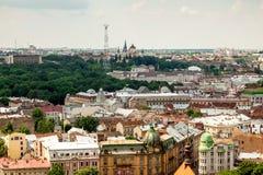 Sikt av den gamla lilla staden Lviv Royaltyfri Fotografi