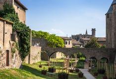 Sikt av den gamla staden Carcassonne, sydliga Frankrike. fotografering för bildbyråer