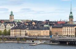 Sikt av den gamla staden i Stockholm från söder Arkivfoton