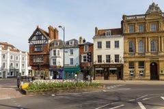 Sikt av den gamla staden av Salisbury, UK arkivfoton