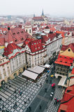Sikt av den gamla stadfyrkanten i Prague Arkivbild