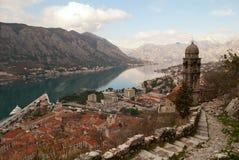 Sikt av den gammala townen av Kotor. Royaltyfri Foto