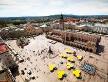 Sikt av den gammala townen av Kracow, Polen. Royaltyfri Foto
