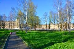 Sikt av den Gathcina slotten Gatchina St Petersburg, Ryssland Royaltyfri Fotografi