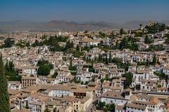 Sikt av den Granada staden från den Alhambra fästningen, Spanien arkivbild