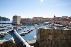 Sikt av den Gruz hamnen av Dubrovnik, Kroatien Arkivfoton