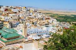 Sikt av den heliga staden av Moulay Idris från över, Marocko royaltyfria bilder