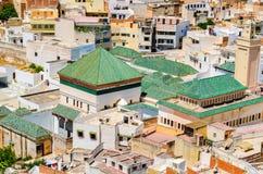 Sikt av den heliga staden av Moulay Idris från över, Marocko royaltyfri foto