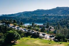 Sikt av den Hollywood behållaren och kanjon sjödrev i Los Angele arkivfoto