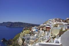 Sikt av den härliga staden av Fira i Santorini, Grekland Arkivbild