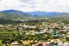 Sikt av den Hua-hin staden, Prachuapkhirikhan, Thailand Arkivfoto