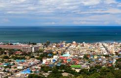 Sikt av den Hua-hin staden, Prachuapkhirikhan, Thailand Arkivfoton