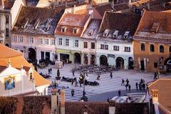 Sikt av den huvudsakliga fyrkanten på Brasoven Royaltyfria Foton