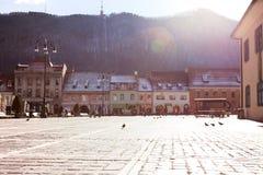 Sikt av den huvudsakliga fyrkanten på Brasoven Royaltyfria Bilder