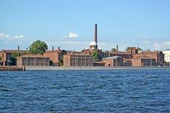 Sikt av den inga Neva och pre-försök interneringsanstalten 1 (kors) St Petersburg Royaltyfria Foton