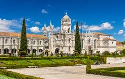 Sikt av den Jeronimos kyrkan i Lissabon Royaltyfria Foton