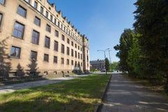 Sikt av den kommunistiska arkitekturen av Nowaen Huta Royaltyfri Bild