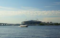 Sikt av den Krestovsky ön Royaltyfri Bild