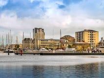 Sikt av den kust- staden av den Cherbourg-Octeville hamnen, Frankrike Royaltyfri Fotografi