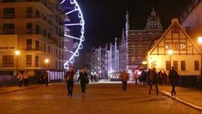 Sikt av den långa gå gatan gdansk poland stock video