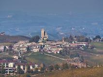 Sikt av den Langhe bygden i Piedmont royaltyfria foton