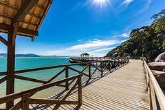 Sikt av den Laranjeiras stranden, Balneario Camboriu Santa Catarina royaltyfria foton