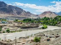 Sikt av den Leh staden, Ladakh, Indien Arkivbild