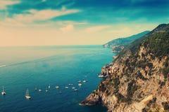 Sikt av den Liguria kustlinjen Arkivbild
