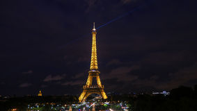 Sikt av den ljusa showen på Eiffeltorn, Paris Arkivbilder