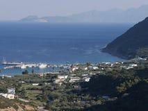 Sikt av den marinaMastichari ön av Kos Fotografering för Bildbyråer