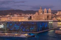 Sikt av den Marseille domkyrkan och MUCEM Royaltyfria Bilder