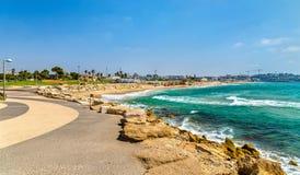 Sikt av den medelhavs- stranden i Tel Aviv Arkivbild