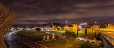 Sikt av den medeltida staden Avignon på morgonen Arkivbilder