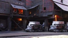 Sikt av den Metallurgical växten stock video