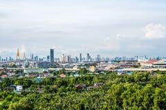 Sikt av den moderna gränsmärket för bhumibolbro av bangkok Thailand Arkivfoton