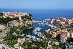 Sikt av den Monaco staden och Fontvieille med fartygmarina i Monaco Royaltyfria Bilder