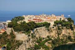 Sikt av den Monaco staden som lokaliseras på vagga i Monaco Arkivbild