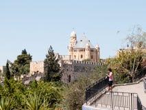 Sikt av den Mount of Olives Jerusalem kyrkogården från Dung Gate i den gamla staden i Jerusalem, Israel arkivbild
