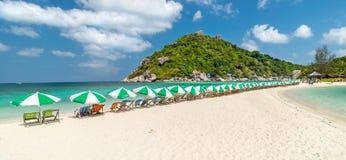 Sikt av den Nang Yuan ön av den Koh Tao ön Royaltyfri Bild