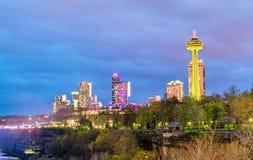 Sikt av den Niagara Falls staden i Ontario, Kanada Arkivbilder