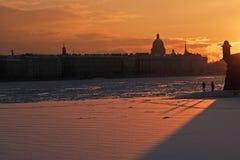 Sikt av den Peter och Paul fästningen i St Petersburg Arkivbilder