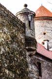 Sikt av den Pieskowa Skala slotten och trädgården, medeltida byggnad nära Krakow, Polen Arkivfoto