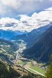 Sikt av den Piora dalen i Ticino Royaltyfri Foto