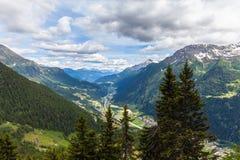 Sikt av den Piora dalen i Ticino Royaltyfri Bild